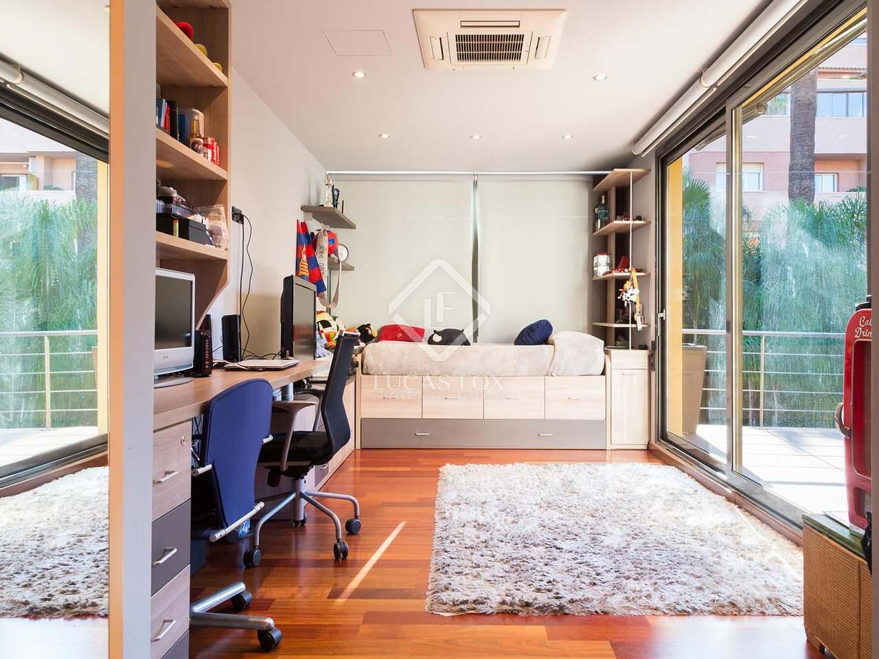 maison vendre dans le quartier de gracia de barcelone. Black Bedroom Furniture Sets. Home Design Ideas