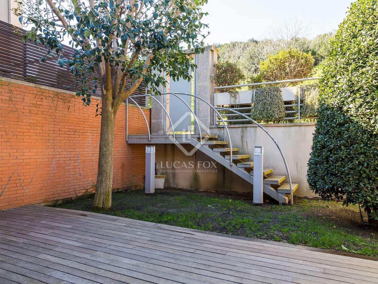 Casa en alquiler en la zona alta de barcelona for Alquiler casa jardin barcelona