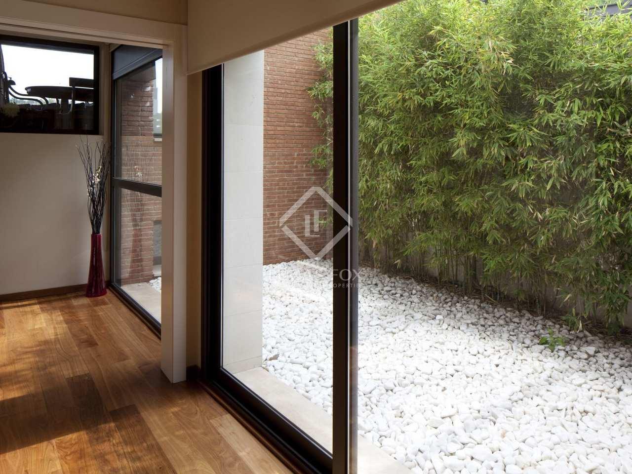 Casa moderna en alquiler en el parque natural de collserola for Alquiler casa jardin barcelona