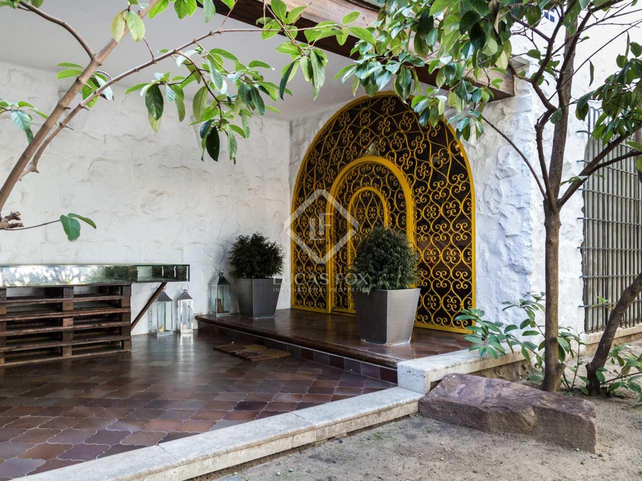 Gran villa en venta en zona noble de paterna valencia for Jardin urbano valencia