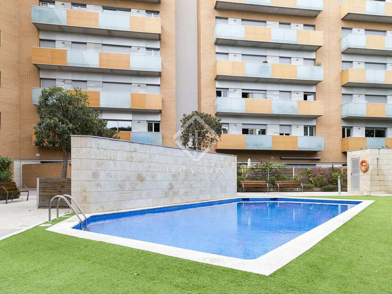 Apartamento con terraza en venta en vila ol mpica barcelona for Piscina olimpica barcelona