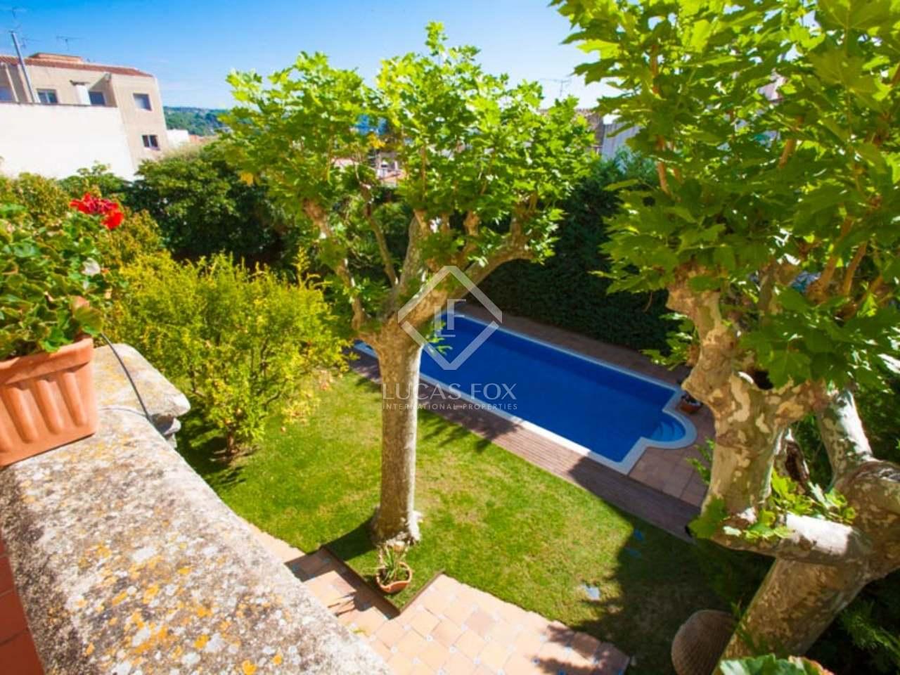Casa de 5 dormitorios en alquiler con un jard n y piscina for Alquiler casa jardin barcelona