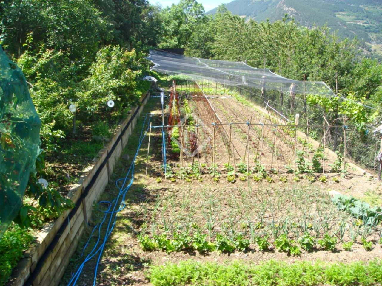 Villa de luxe en vente sant juli de l ria a andorre for Piscine andorre