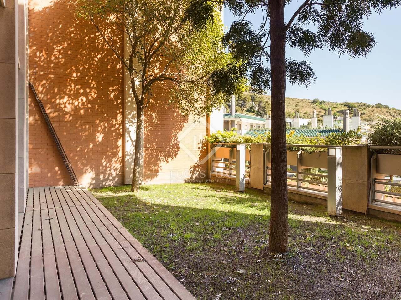 Preciosa casa en alquiler en la zona alta de barcelona for Alquiler casa jardin barcelona