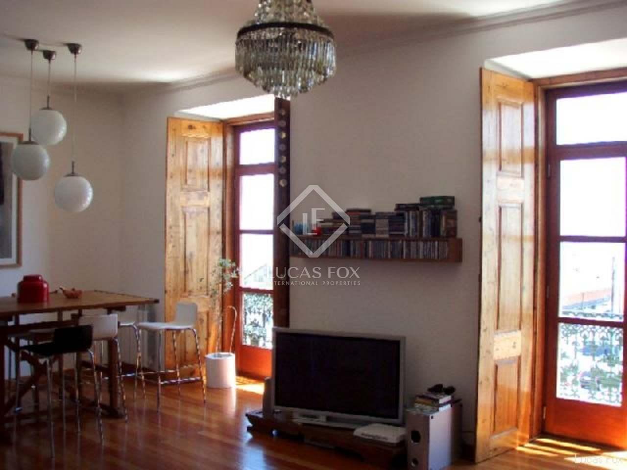 two bedroom apartment to buy in Alfama