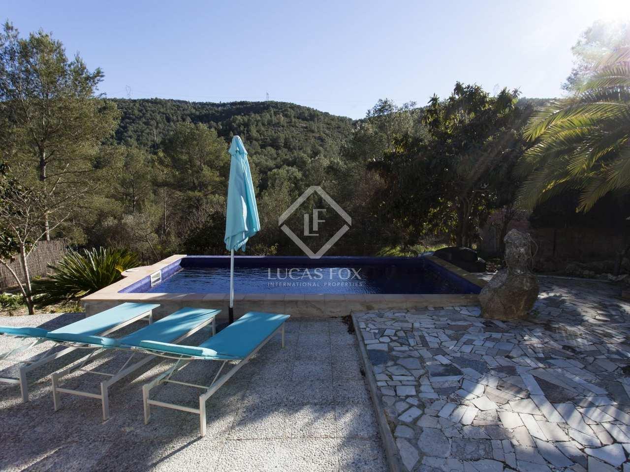 Villa de 4 dormitorios con piscina en venta en sitges for Piscina sant pere de ribes