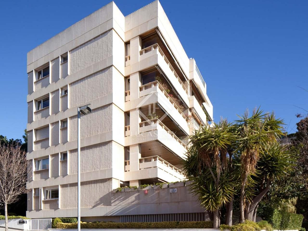 Appartement de 280m a vendre pedralbes avec 80m de jardin for Appartement piscine barcelone