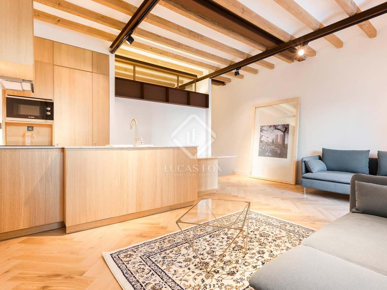 64m wohnung mit 33m terrasse zum verkauf in eixample links. Black Bedroom Furniture Sets. Home Design Ideas