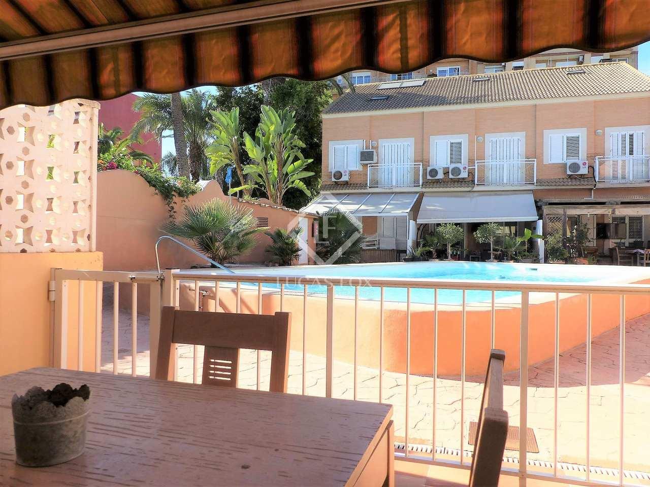Casa de 140m con terraza en venta en playa de la malvarrosa for Terrazas 1280 a