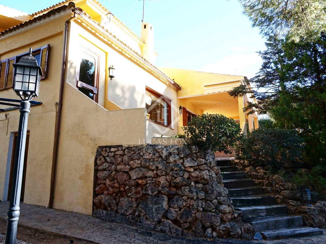 4 bedroom villa for sale in monasterios valencia for Villas valencia