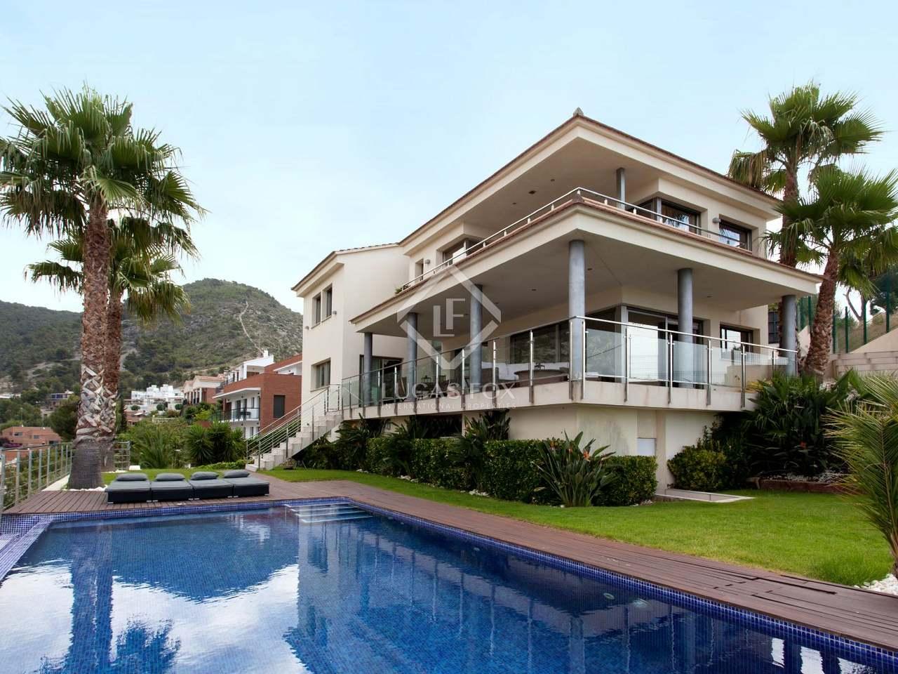 Villa moderna en venta en montgavina sitges for Plan villa style americain gratuit