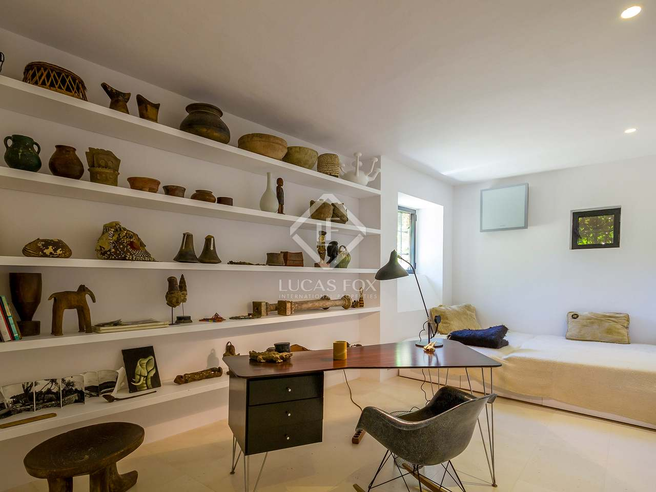 Huis / Villa van 350m² te koop in San Antonio, Ibiza