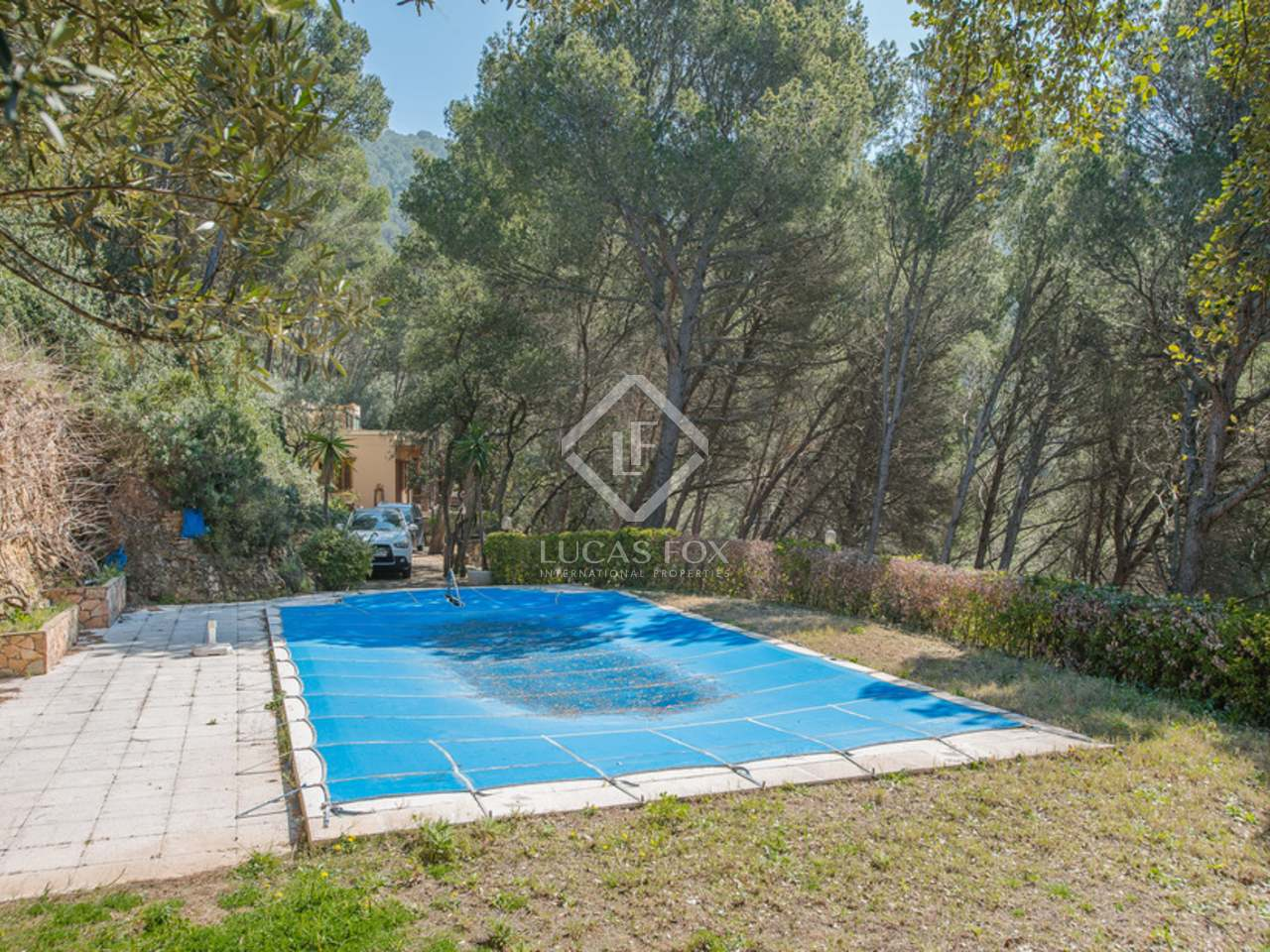 Country house on large plot for sale in sa riera - Sa riera costa brava ...