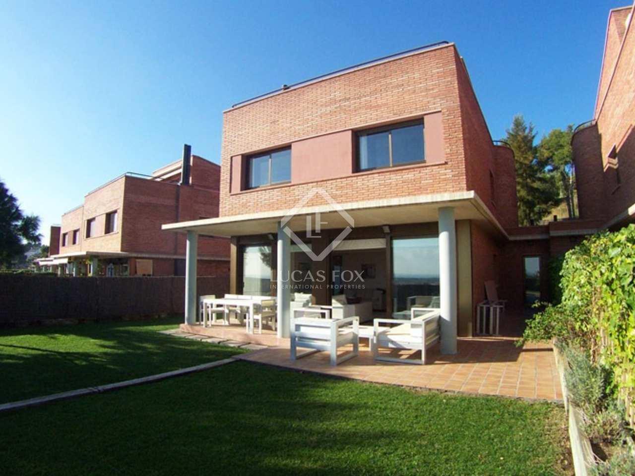 maison villa de 500m a vendre castelldefels barcelone. Black Bedroom Furniture Sets. Home Design Ideas