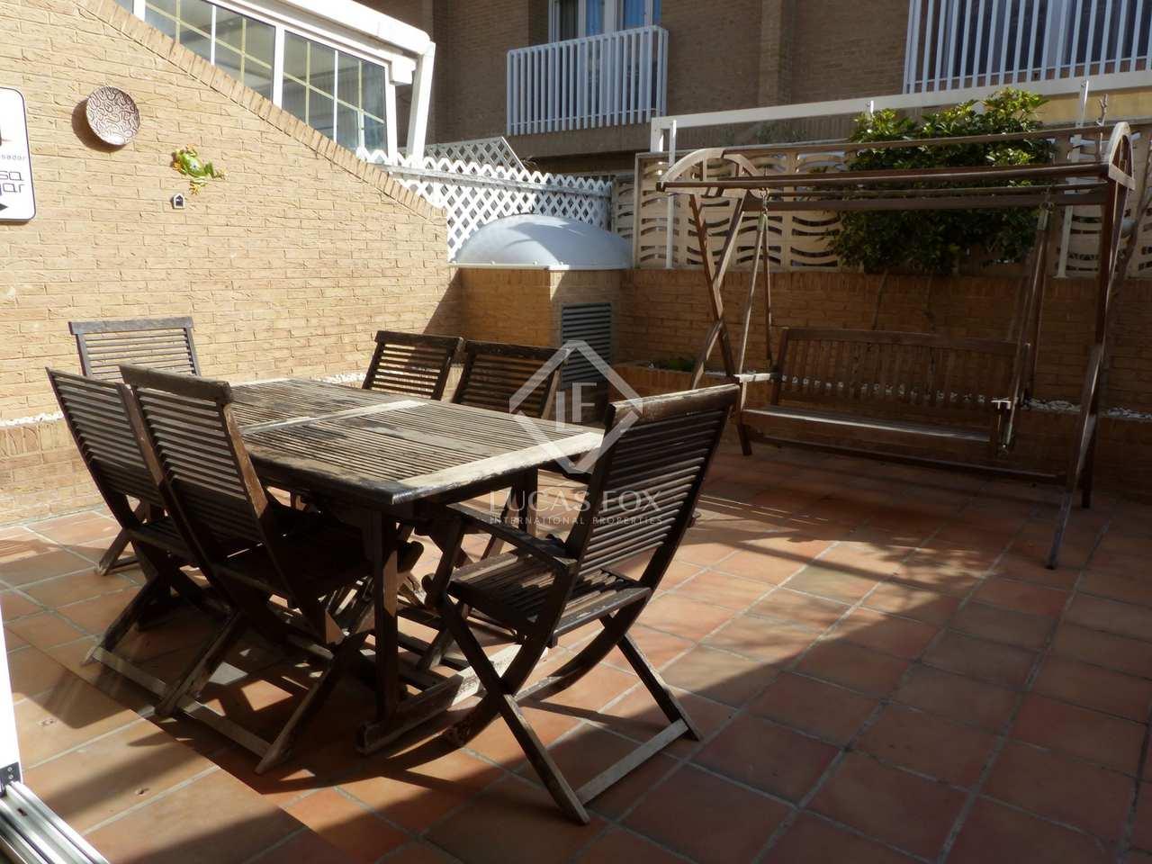 263m haus villa mit 70m terrasse zum verkauf in. Black Bedroom Furniture Sets. Home Design Ideas