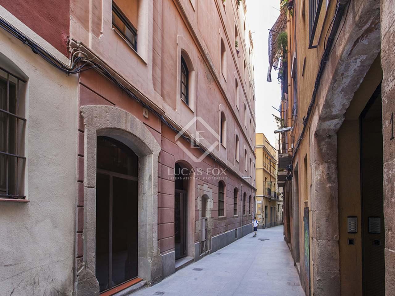 Excelente tico en venta en el casco antiguo de barcelona - Casco antiguo de barcelona ...