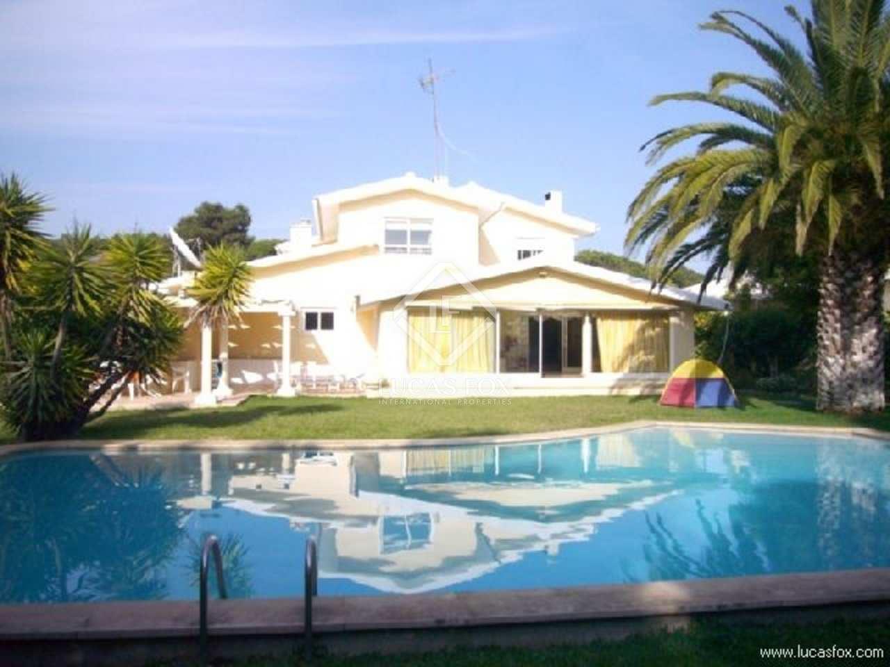 Charming villa for sale in Birre area of Cascais