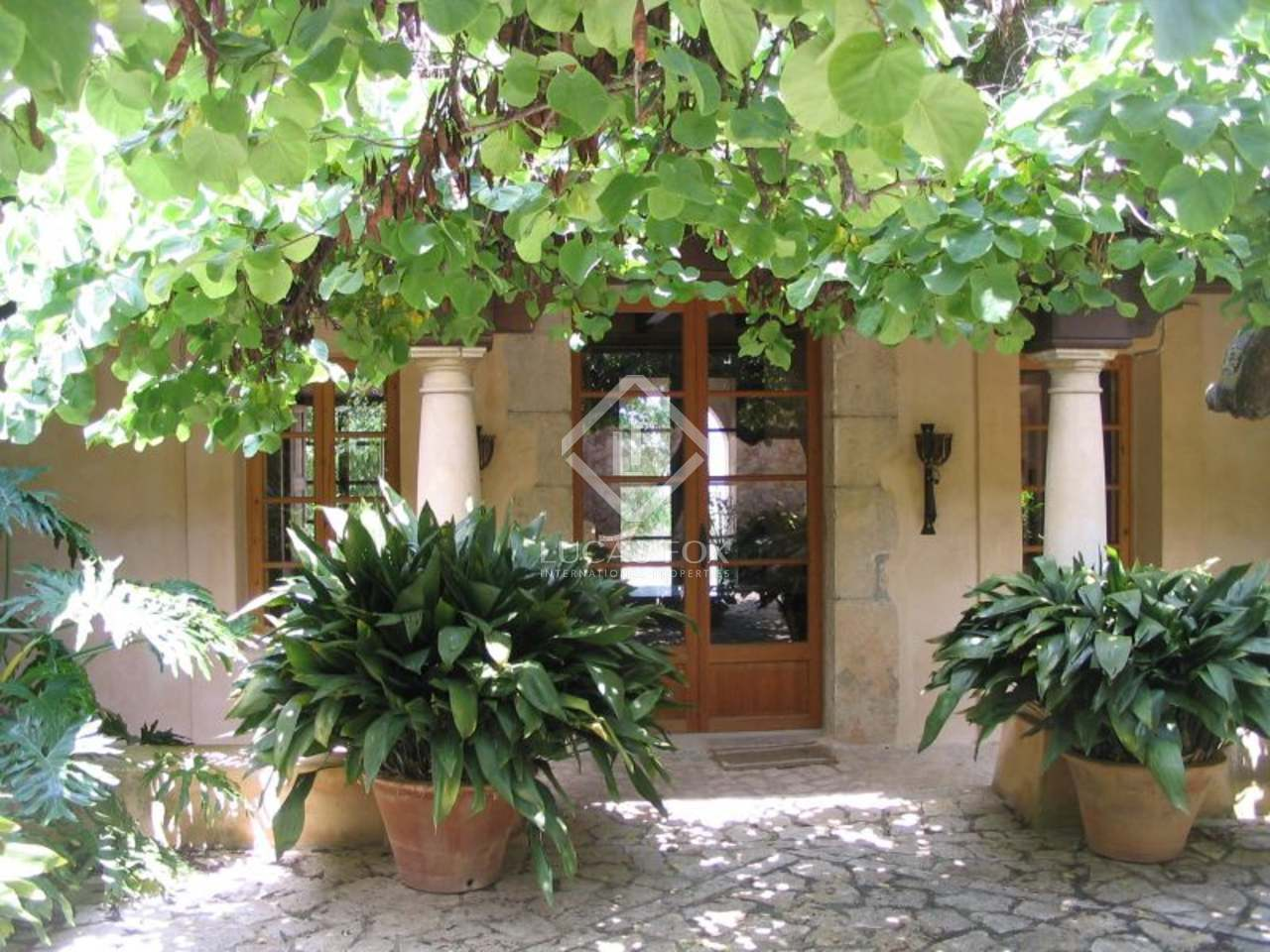 luxuri ses landhaus zum verkauf in mallorca nahe palma. Black Bedroom Furniture Sets. Home Design Ideas