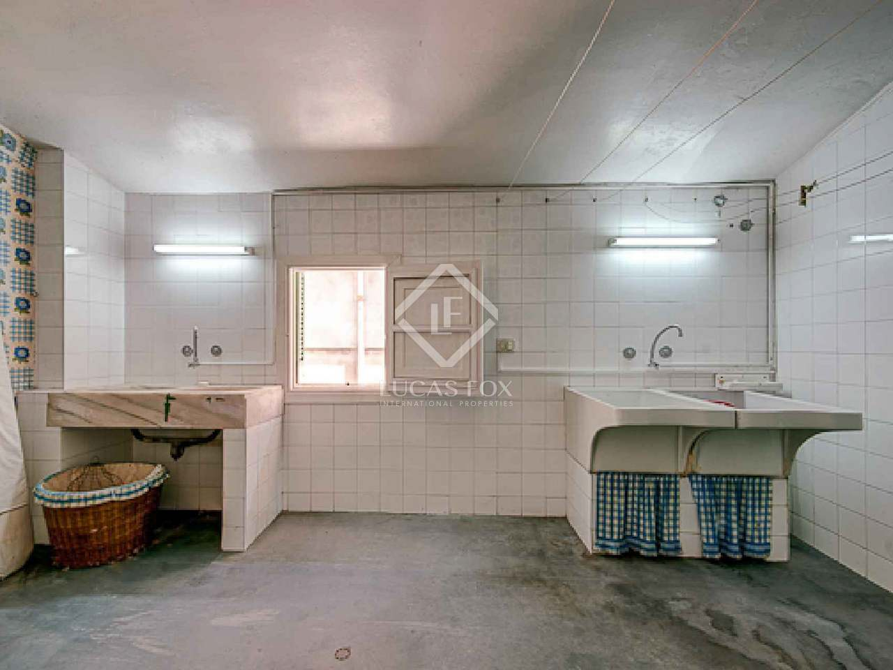 Casa adosada en venta en la ciudad de palma mallorca for Casas en palma de mallorca