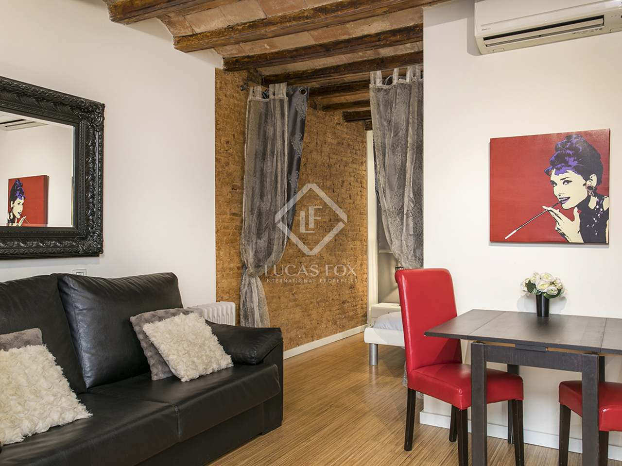 Charming 1 Bedroom Apartment For Sale In El Raval Barcelona
