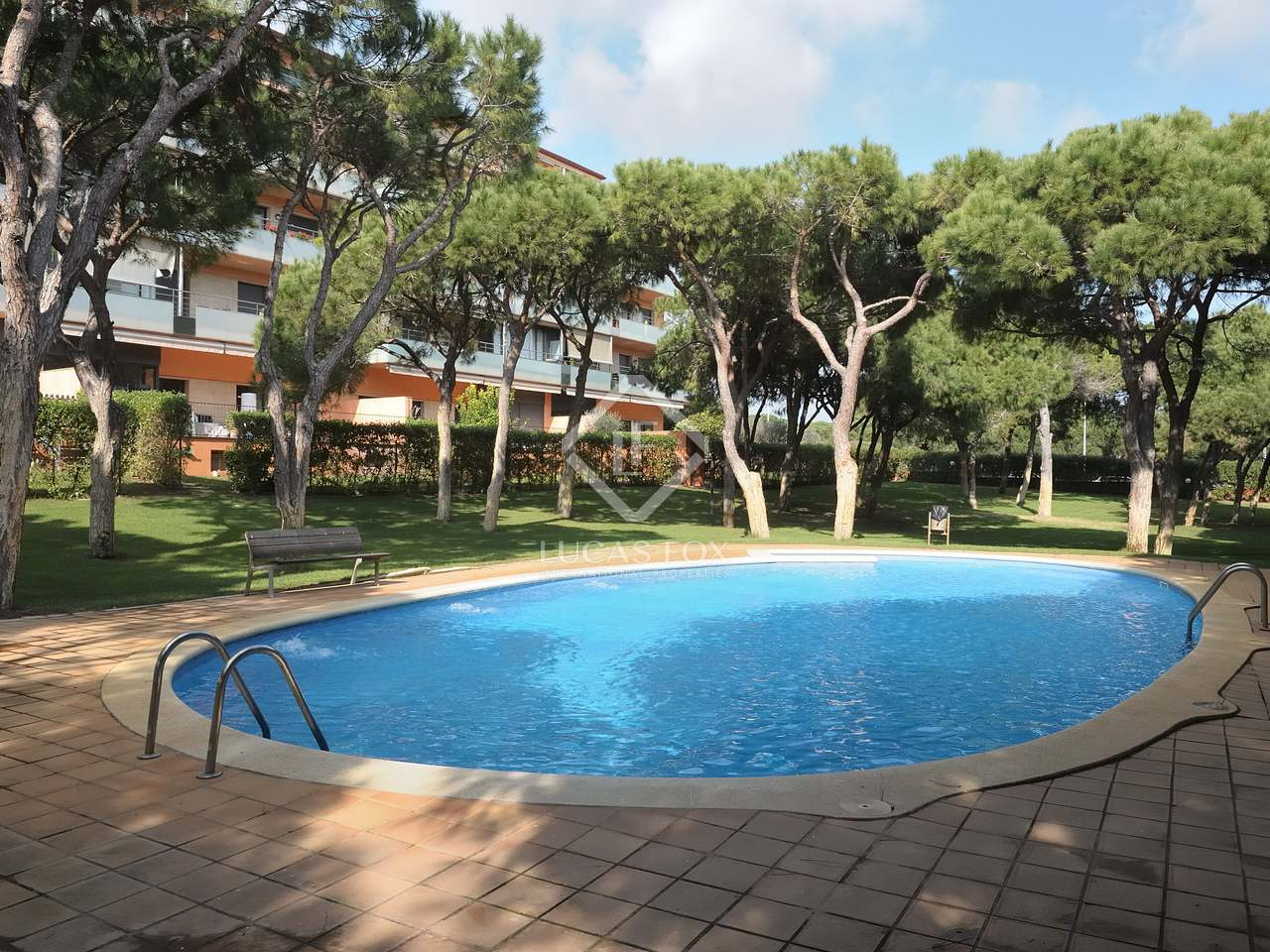 106 m apartment with 300 m garden for sale in gav mar for Barcelona pool garden 4