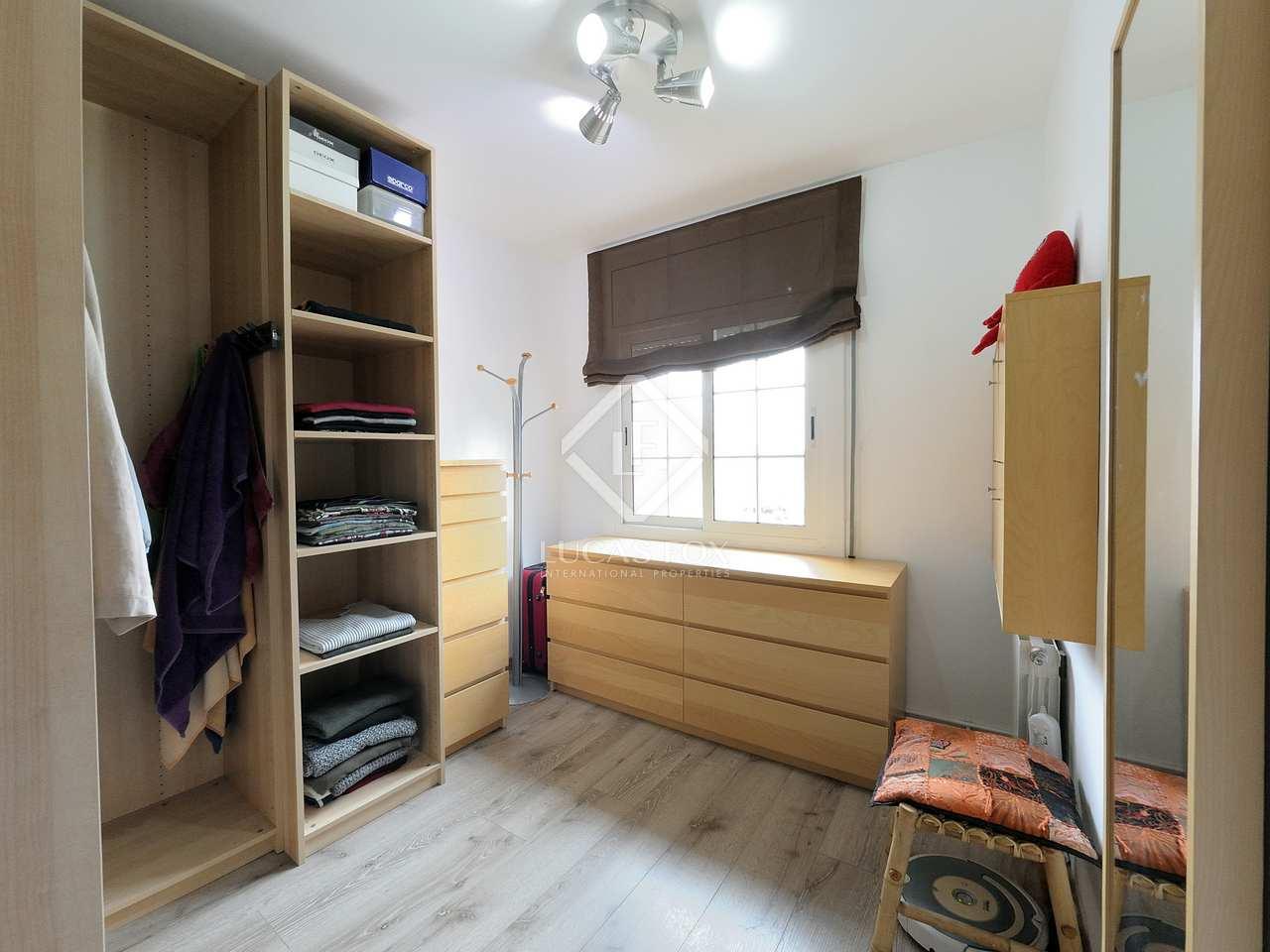 90m wohnung mit 25m terrasse zum verkauf in castelldefels. Black Bedroom Furniture Sets. Home Design Ideas