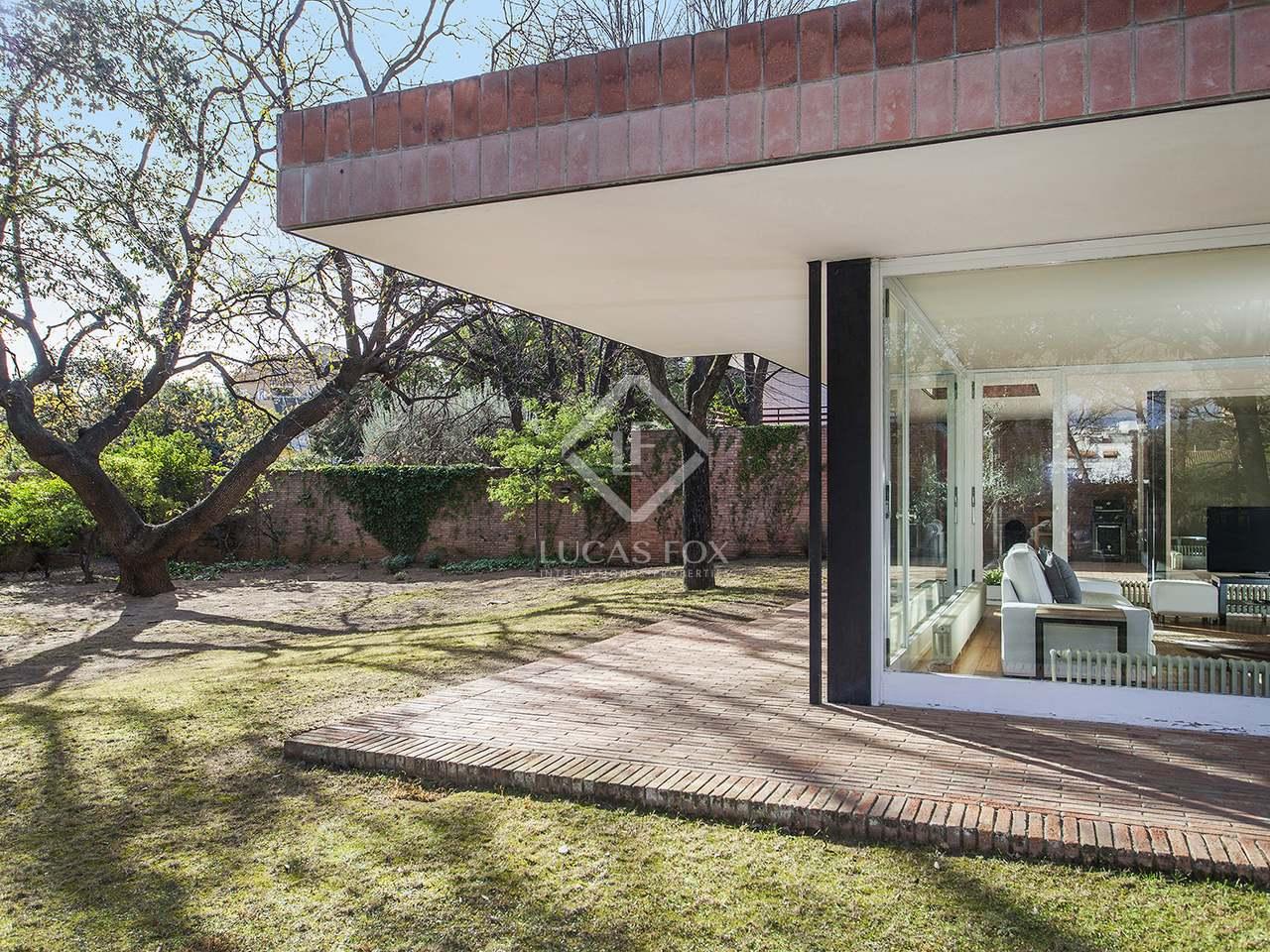 maison louer dans le quartier de la bonanova barcelone. Black Bedroom Furniture Sets. Home Design Ideas