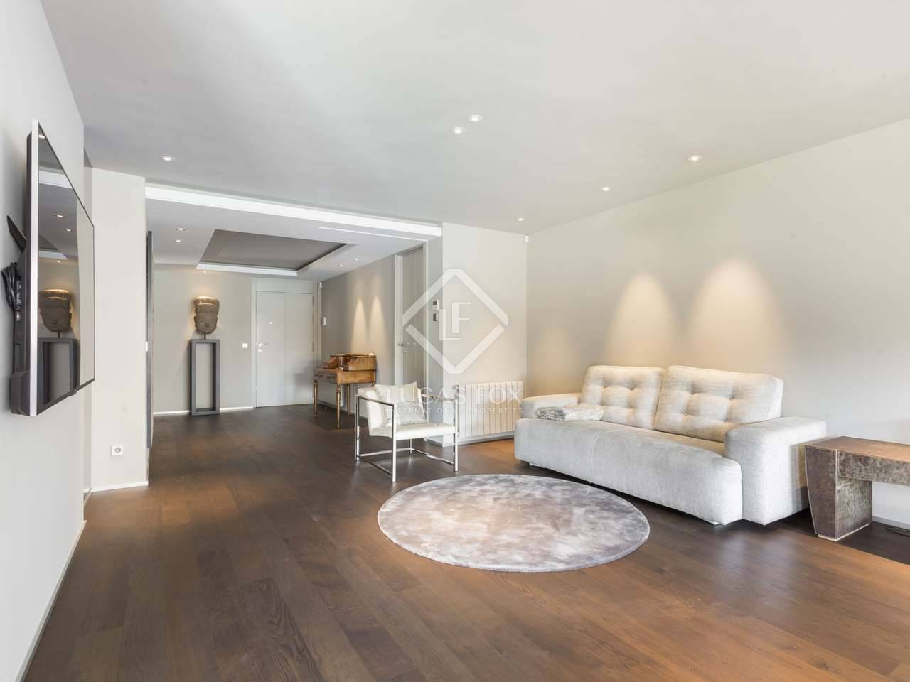 5 bedroom apartment for sale in tres torres barcelona for Five bedroom apartments