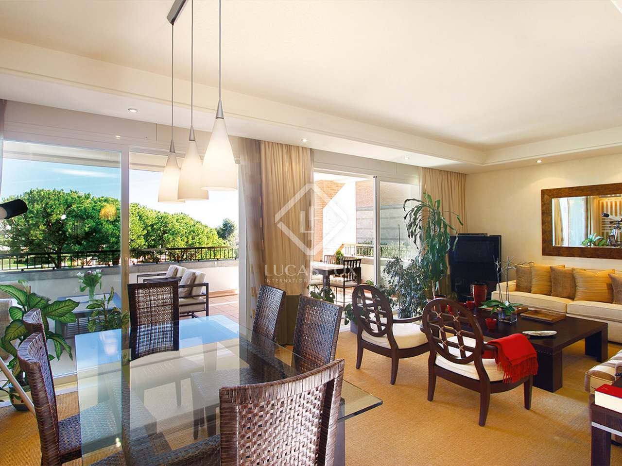 Lounge - 3 Bed Apartment for sale, La Trinidad, Golden Mile, Marbella