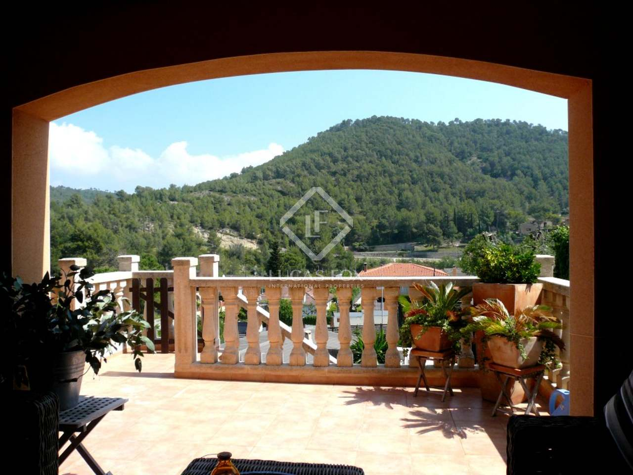 Beautiful 5 Bedroom House For Sale Near Sitges