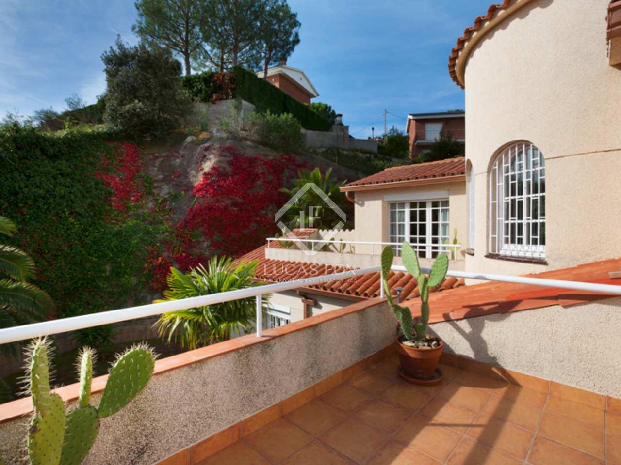 Villa de 5 dormitorios con vistas al mar en venta en alella Villa jardin donde queda