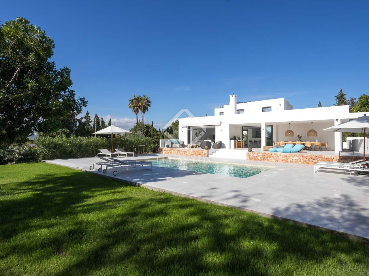 Huis villa van 230m te koop met 800m tuin in ibiza town for Huis te koop borgerhout met tuin