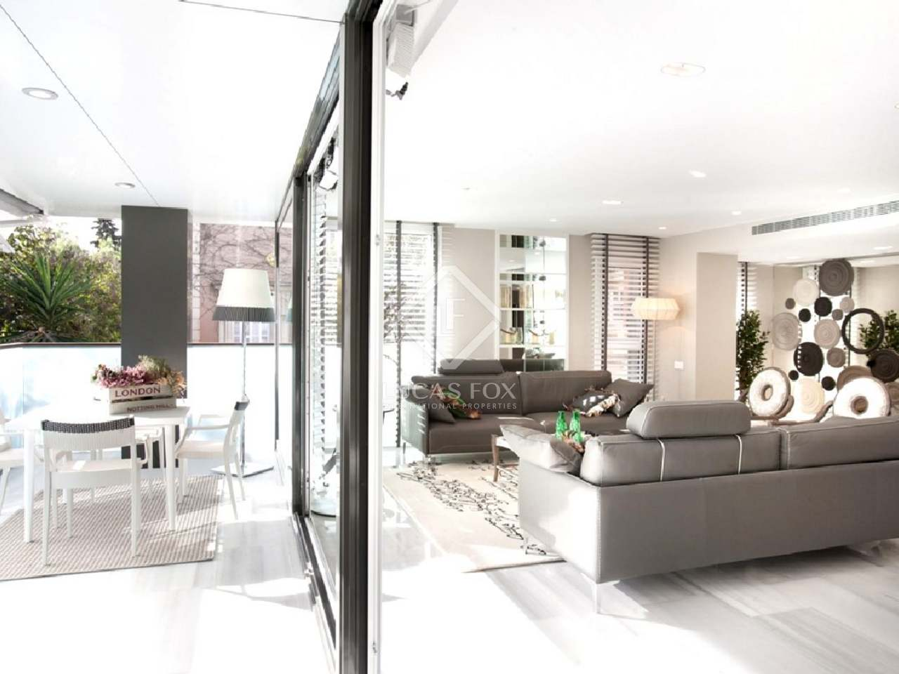 appartement de luxe en vente la zona alta de barcelone. Black Bedroom Furniture Sets. Home Design Ideas