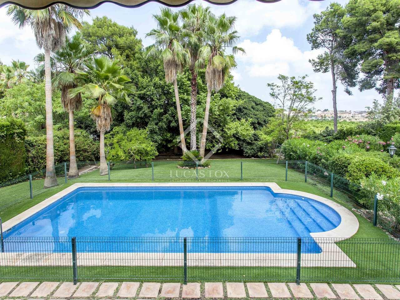 Villa de 532 m en venta en godella valencia for Piscina de godella