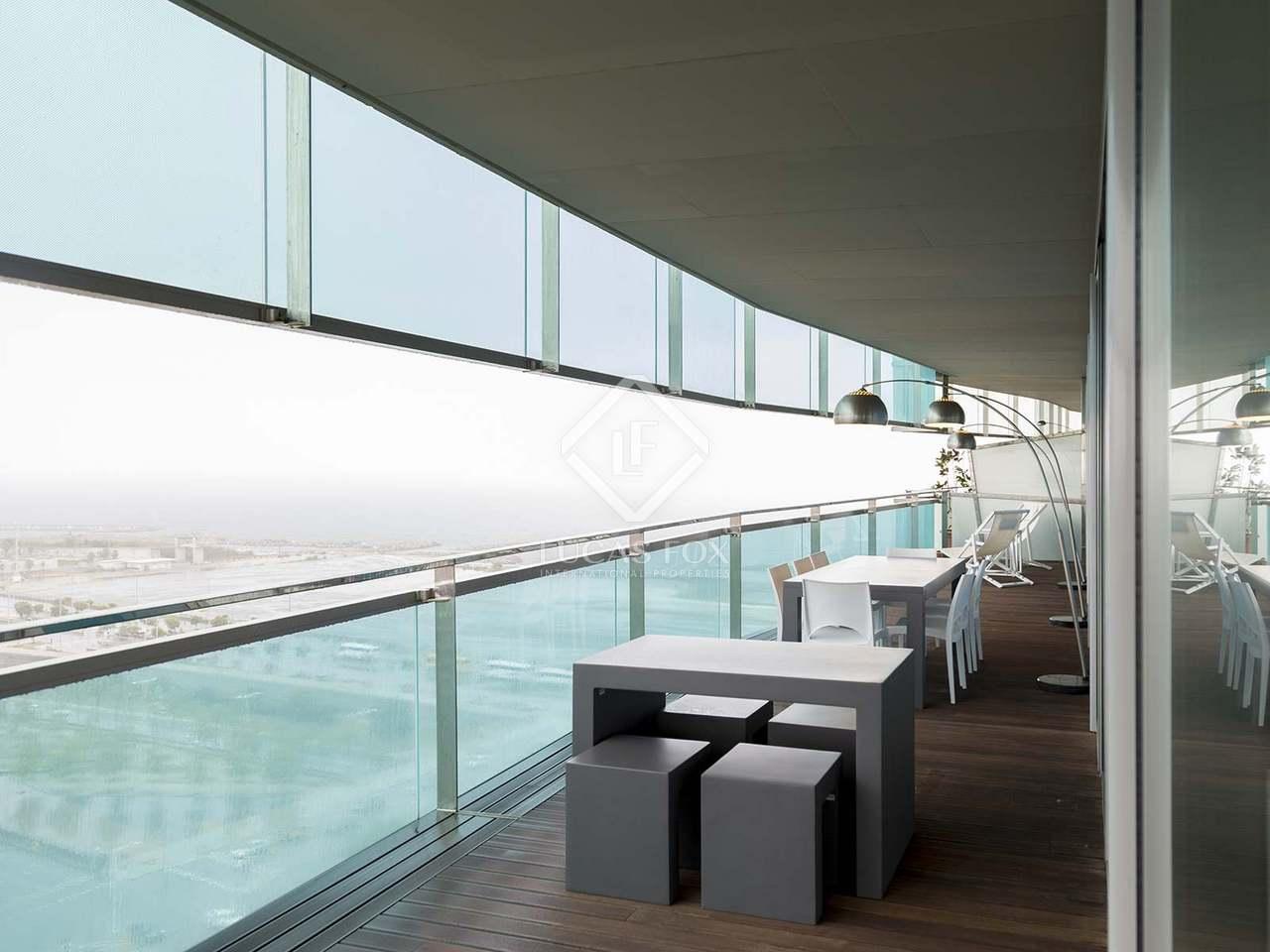 Appartement de 132m a vendre diagonal mar avec 69m for Appartement avec piscine barcelone