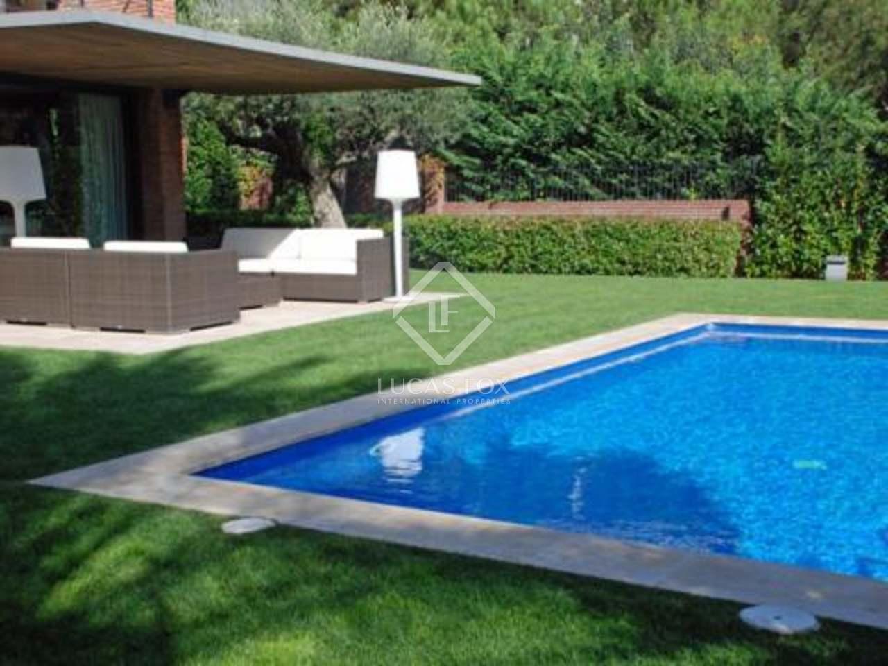 Maison de luxe en vente pedralbes partie haute de for Piscine w barcelone