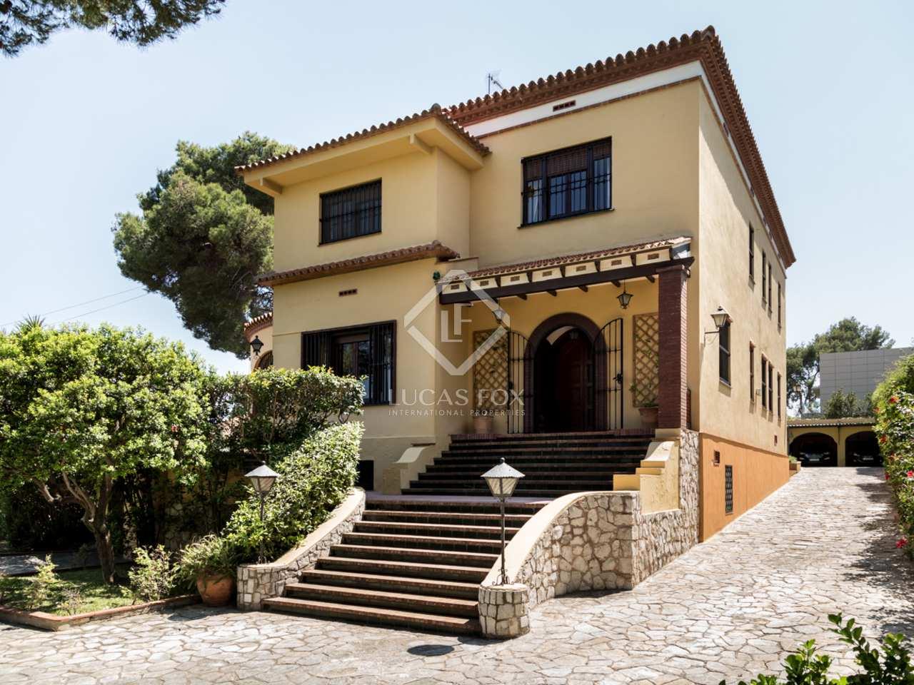 Villa con piscina en venta en campolivar valencia for Villas valencia