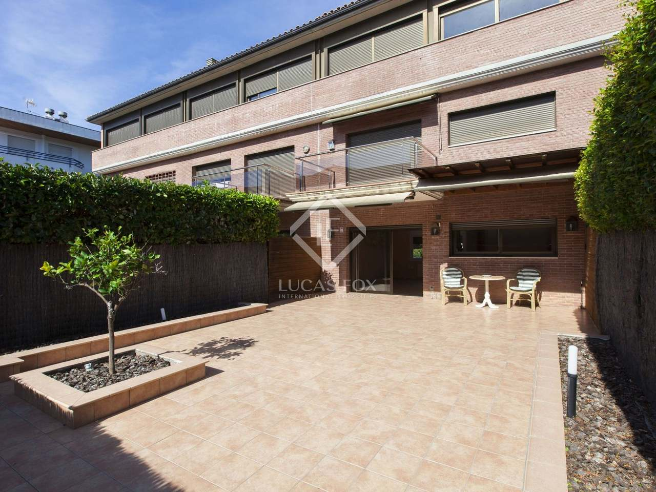 Terraced house to buy in vinyet sitges - Terraced modern homes with underlying garage ...
