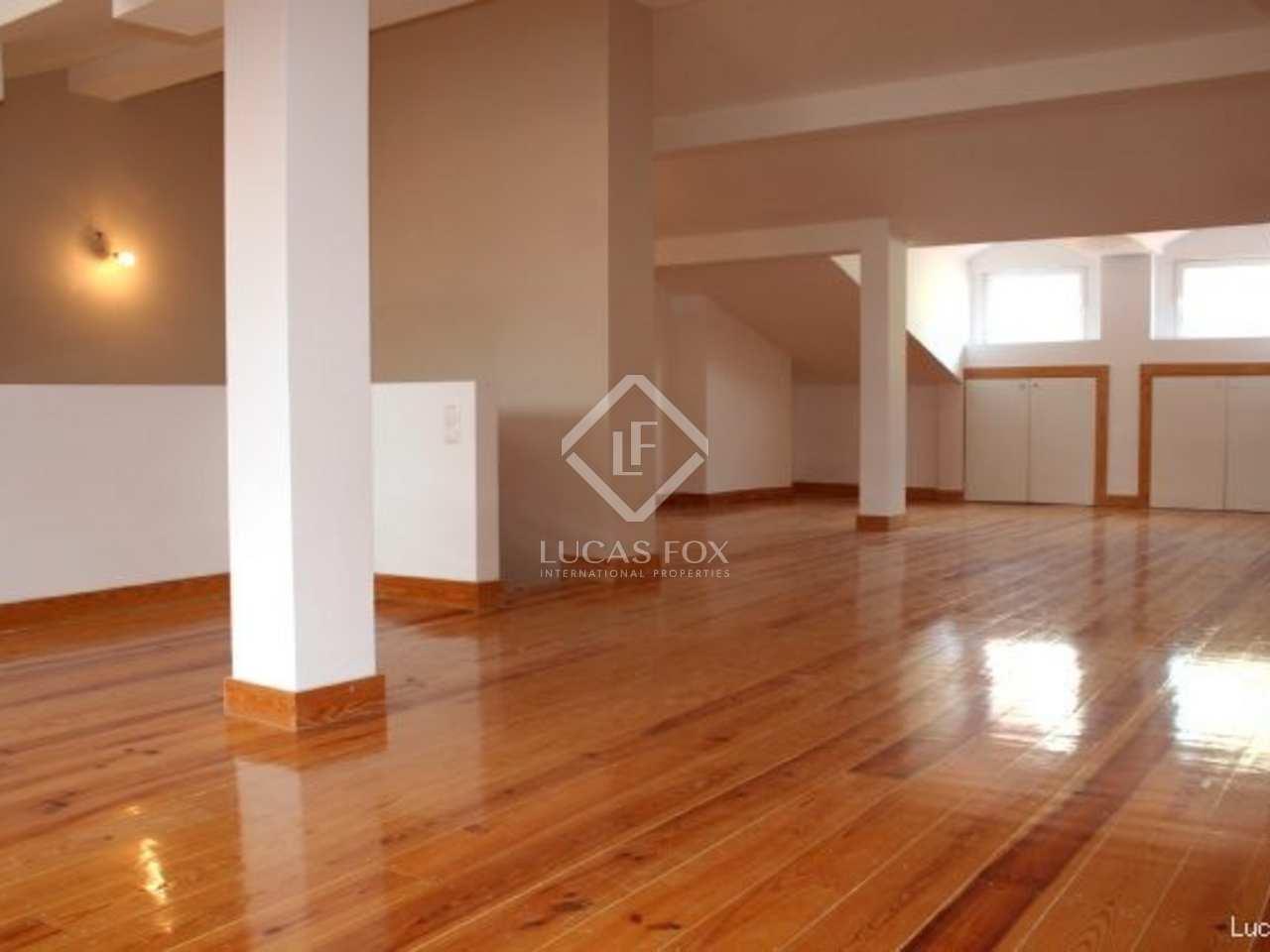 three bedroom duplex to buy in Lisbon