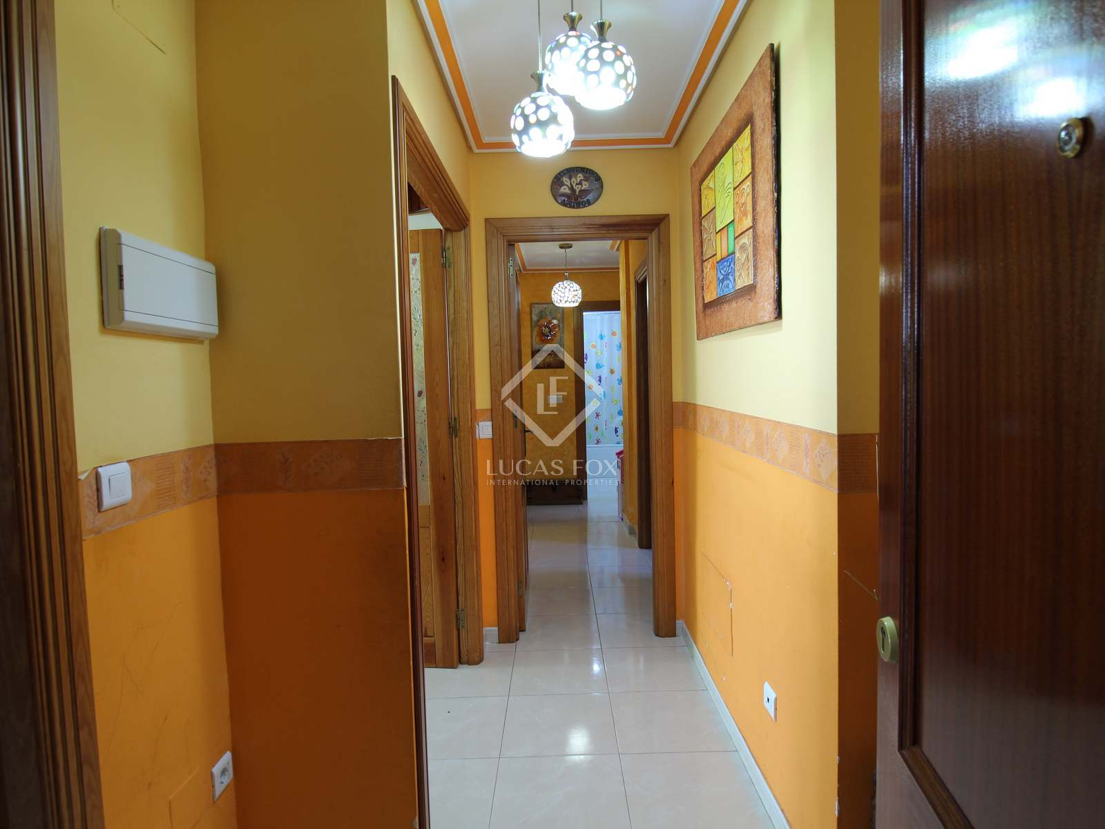 Hallway : Image of the property