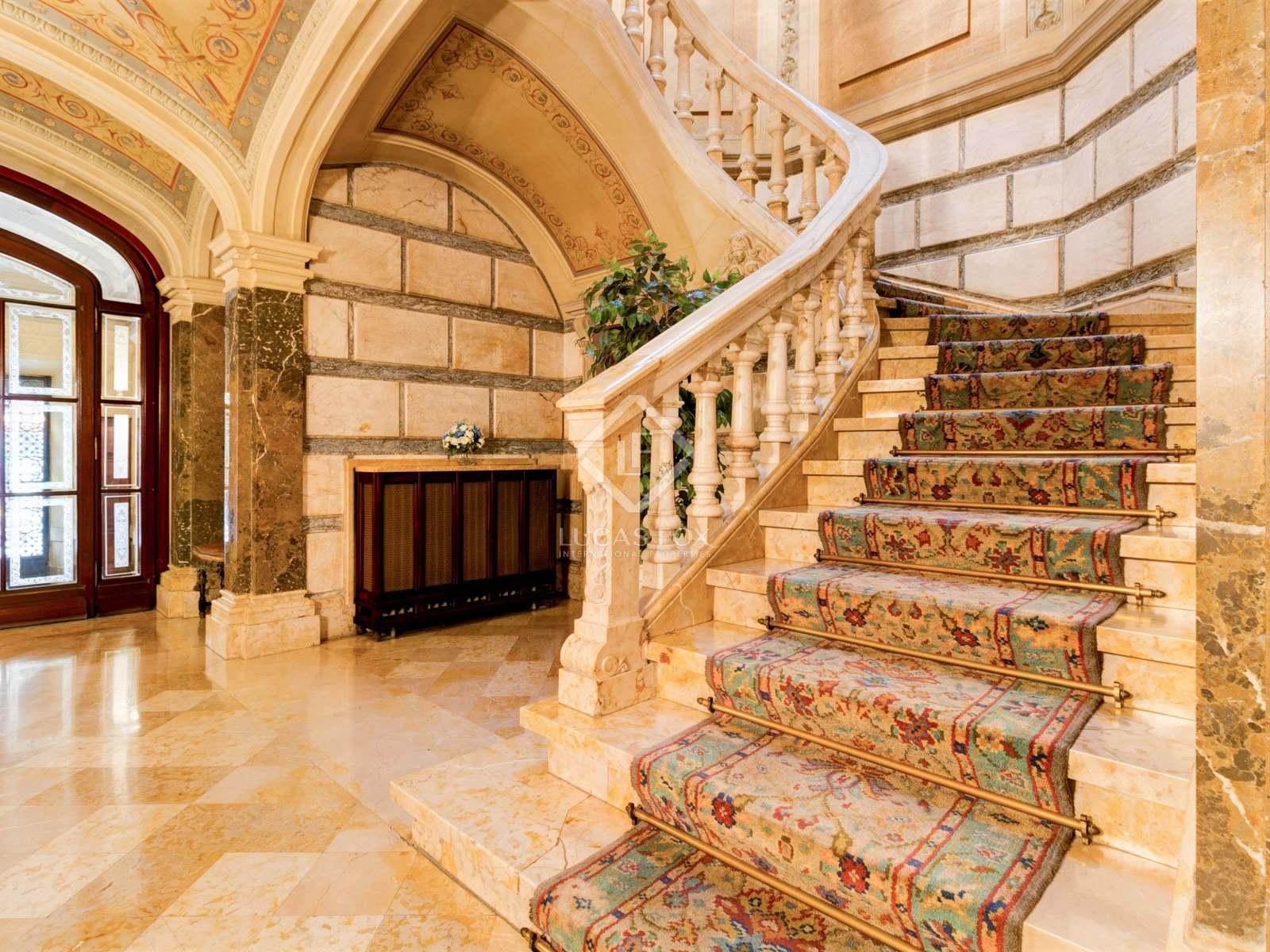 Escaleras : Imagen de la vivienda