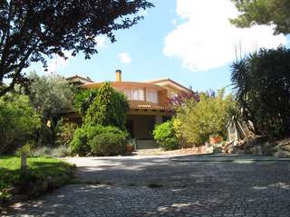 Villa with pool for rent in Campolivar, Godella
