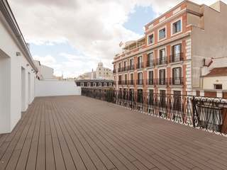 Stunning penthouse in a fully refurnished building for sale in Justicia