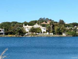Lakeside villa for sale in the Algarve
