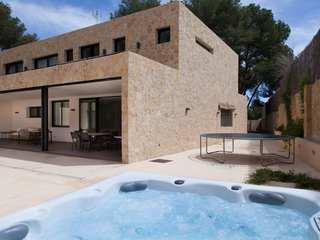 Modern villa for sale in Godella, near Valencia city