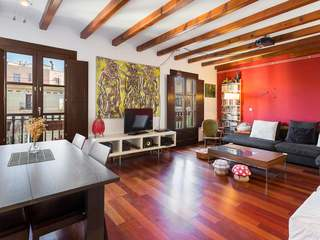 3-bedroom property for sale in a listed building in Raval