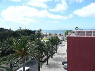 3 Bedroom, 2 Bathroom Condo Apartment in Estoril