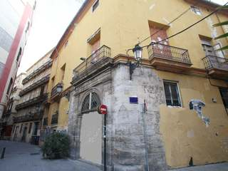 Historic building for sale in Valencia's Cituat Vella
