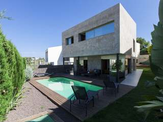Beautiful contemporary villa to buy on outskirts of Sitges