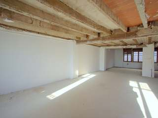 Apartment for sale in Valencia, near Colon Market